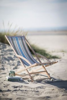 Beach day via (summer beach sand) Outdoor Tables And Chairs, Deck Chairs, Cottages By The Sea, Beach Cottages, Monica Matos, Beach Day, Summer Beach, Summer Blues, Ocean Beach