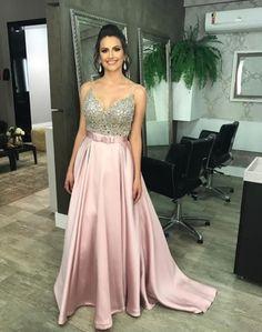 Vestido de festa, vestido de festa rosa, vestido formatura, vestido m Bridesmaid Dresses, Prom Dresses, Formal Dresses, Wedding Dresses, Glamour, Ball Gowns, Party Dress, Dress Up, Chiffon