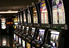 What do you know about #SlotMachines? Learn how they work and how the games are played. http://entertainment.howstuffworks.com/slot-machine.htm