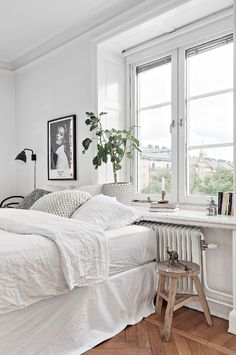 Small Room Bedroom, Room Decor Bedroom, Home Bedroom, Bedrooms, Minimalist Bedroom, Dream Rooms, My New Room, House Rooms, Room Inspiration