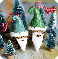 Christmas ornaments, Santa heads made out of pine cones and polymer clay. Christmas Bird Ornament Tutorial, with stamped. Pine Cone Christmas Decorations, Christmas Pine Cones, Pinecone Ornaments, Christmas Bird, Homemade Ornaments, Christmas Projects, All Things Christmas, Holiday Crafts, Christmas Ornaments