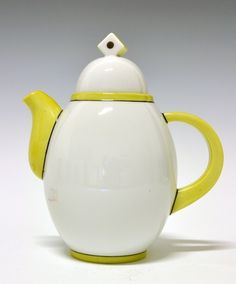 small coffe pot by Nora Gulbrandsen for Porsgrund Porselen. Designed in In production between Model nr Decor 5139 1920s House, Tea Pots, Pottery, Clay, Java, Tableware, Design, Coffee, Yellow