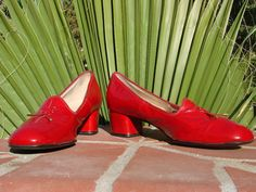 """Naturalizer Leather Red with Red Bow Tassel Loafers w/ 2"""" Lift 8.5 EXTRA NARROW 