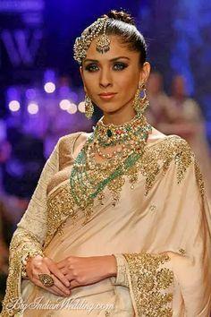 Golecha's Jewels at India International Jewellery Week 2014