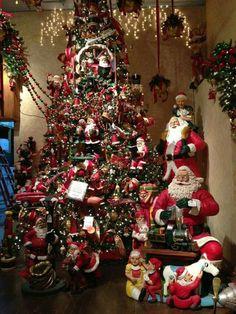 Christmas Mrs Claus 's way Creative Christmas Trees, Christmas Tree And Santa, Beautiful Christmas Trees, Christmas Store, Christmas Scenes, Christmas Mood, Christmas Tree Decorations, Christmas Lights, Christmas Holidays