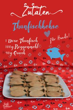 DIY Hundekeks Rezept: Thunfischkekse / Fisch Leckerli für Hunde selbst backen - www.de The Effective Pictures We Offer You About Dogs halloween costumes A quality picture can tell you man Dog Biscuit Recipes, Dog Treat Recipes, Dog Food Recipes, Cat Treats, No Bake Treats, Cookie Do, Dog Cookies, Dog Biscuits, Le Diner