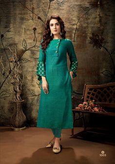 Simple Kurta Designs, Silk Kurti Designs, Stylish Dress Designs, Kurta Designs Women, Kurti Designs Party Wear, Stylish Dresses, Salwar Designs, Sleeves Designs For Dresses, Dress Neck Designs