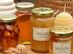 Schon die Germanen labten sich am Honigwein, dem sogenannten Met. Wer eine alkoholfreie Variante bevorzugt, süßt Apfel-Ingwer-Tee mit Honig (Bild: WG/S.Grüters)
