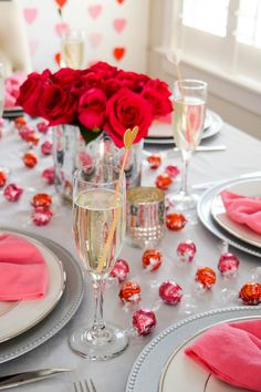 A Chocolate and Champagne Galentine's Day Brunch with Lindt LINDOR Truffles - Boston Chic Party Valentines Day Tablescapes, Valentines Day Dinner, Valentines Day Decorations, My Funny Valentine, Saint Valentine, Galentines Day Ideas, Think Food, Lindt Lindor, Party Entertainment