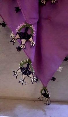 Purple silk 'yazma' (scarf) edged with 'oya' (Turkish lace, made of silk yarn).  On exhibit in the Beylerbeyi Palace (Istanbul).  Late-ottoman, 19th century.