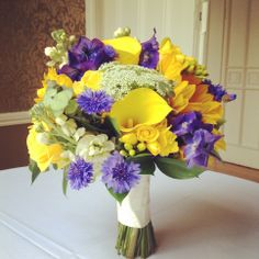 Natural hand tied bouquet @ Nonsuch Mansion