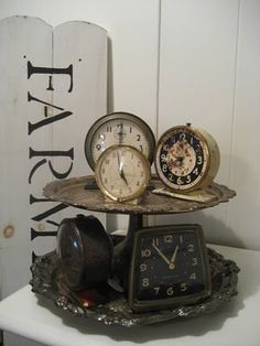 For a bedside table or dressing table - put a vintage silver plated cake tray / bon bon dish onto of a vintage silver plated tray - and use as a tidy for clocks, brushes, jewellery, etc. Repinned by www.silver-and-grey.com