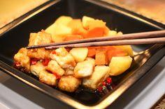 Glasierter Chili-Tofu mit Süßkartoffeln
