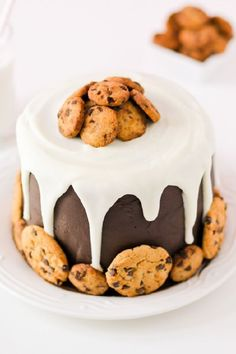 This Milk and Cookies cake tastes as good as it looks! It's full of chocolate…