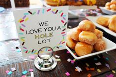 We love this a hole lot ;) #donutparty @love & lion