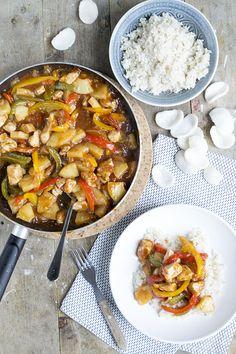Dit zijn van die receptjes die altijd goed zijn toch? Rijst met kip in een lekker sausje. Deze keer gaan we voor de Kip Hawaii. Zo heb je tijdens deze grijze dagen de zon in ieder geval op je bord. We eten niet zo vaak rijst, maar als we dat doen dan is het met... LEES MEER... Asian Recipes, Healthy Recipes, Ethnic Recipes, A Food, Good Food, Low Carb Brasil, Low Carb Lunch, Brunch, Tasty Dishes