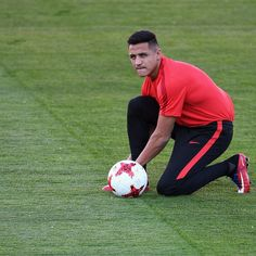 "Alexis Sanchez expressed his desire to "" win all the trophies"" and revealed his long-held ambition to play for Manchester United after finally sealing his move to Old Trafford from Arsenal . Messi And Ronaldo, Cristiano Ronaldo, Alexis Sanchez, Manchester United Transfer, Old Trafford, Soccer Players, Fifa, Chile, Russia"