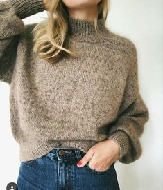 Ravelry: Balloon Sweater pattern by PetiteKnit Looks Style, Style Me, Oversize Pullover, Moda Casual, Work Tops, Sweater Outfits, Minimalist Fashion, Autumn Winter Fashion, Fashion Outfits