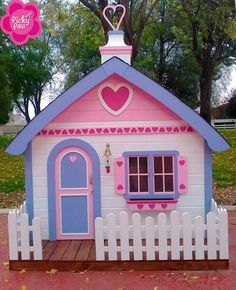 13 Wonnegül Images Wooden houses - When there is little space, design and beautification of the home can be a daunting task. Childrens Playhouse, Backyard Playhouse, Build A Playhouse, Wooden Playhouse, Cubby Houses, Play Houses, Wooden Houses, Wendy House, Outdoor Play