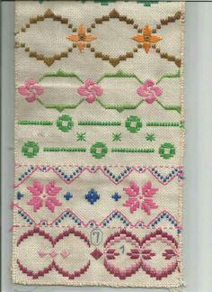 ponto reto - toalhabordado bargello o florentino ile ilgili görsel sonucu Embroidery Sampler, Hardanger Embroidery, Types Of Embroidery, Cross Stitch Embroidery, Embroidery Patterns, Hand Embroidery, Cross Stitch Patterns, Swedish Weaving, Yarn Thread
