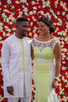 Popular Ghanaian celebrities, A-Plus and Akosua Vee got married over the weekend, and we& brought to you very beautiful photos from the lovely event African Lace Styles, African Print Dresses, African Fashion Dresses, African Dress, African Style, Traditional Wedding Attire, African Traditional Wedding, Couples African Outfits, Couple Outfits