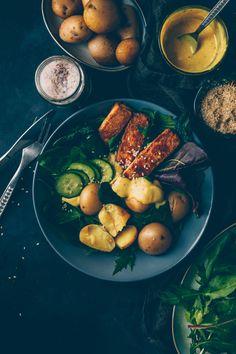 Knusprige Tofu Schüssel mit Baby Kartoffeln & Senf Kokosnuss Dressing von Kati von black.white.vivid.