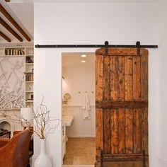 """Jag förstår inte varför vanliga """"svängdörrar"""" är standard i de flesta hem, skjutdörrar tar ju betydligt mindre plats och om de dessutom ..."""