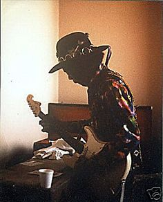 Jimi Hendrix Backstage in Detroit, Masonic Temple, 23 February 1968