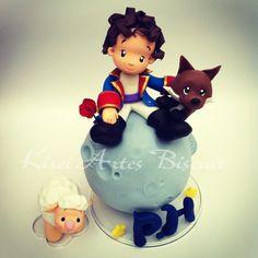 Topo de bolo do pequeno príncipe personalizado  com as características da criança.