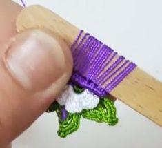 Sizlerle değişik yalancı iğne oyası modellerini paylaşmıştım, şimdi paylaşacağım model gerçekten çok güzel olmuş, sizlerle Yalancı İğne Yelpaze Motifli Tığ Oyası Yapımını Lace Flowers, Crochet Flowers, Crochet Lace, Knitted Shawls, Knitted Poncho, Finger, Needle Lace, Irish Lace, Knitting Socks