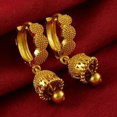 Gold Jhumka Earrings, Gold Bridal Earrings, Jewelry Design Earrings, Gold Earrings Designs, Silver Jhumkas, Gold Necklace, Necklace Designs, Pendant Necklace, Gold Bangles Design