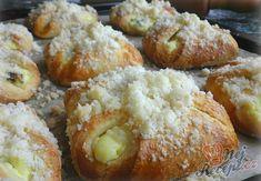 V týdnu už jsem se v práci, jako ostatně každé léto, opět dusila ve vlastní šťávě, takže na pečení prostě nebyla chuť a upřímně řečeno ani síla. Ale dneska už se mnou zase šili všichni čerti. Autor: Danka Doughnuts, Baked Potato, Baked Goods, French Toast, Cheesecake, Muffin, Food And Drink, Baking, Breakfast