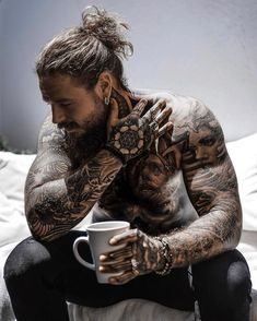 Sexy Tattooed Men, Bearded Tattooed Men, Hot Bearded Men, Trimmed Beard Styles, Hair And Beard Styles, Sara Fabel, Tatted Men, Hot Guys Tattoos, Black Men Beards