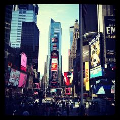 Times Square, New York: Photography by Jasmin Hunter