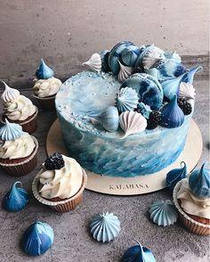 1,448 отметок «Нравится», 8 комментариев —  Торты на заказ, кондитерская (@kalabasa) в Instagram: «#kalabasa_art_cake //Мы открыты ежедневно по адресу Набережная Академика Туполева, 15к26 (м.…»