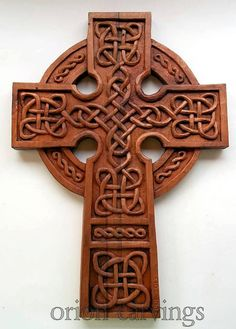 Celtic Cross Wood carving, Handmade Woodcarving, 16,1 x 11,4 in
