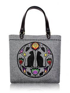 Diy Embroidery Crafts, Big Tote Bags, Embroidered Bag, Handmade Bags, Leather Handle, Folk Art, Boho Fashion, Creations, Shoulder Bag