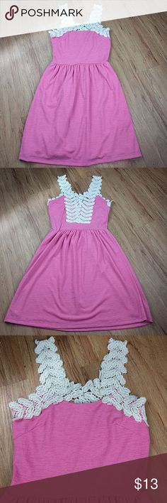 "Dina Be Macrame Dress Dina Be Macrame Dress  Size Small, in EUC  96% polyester, 4% spandex  Armpit to armpit 16""  Shoulder to hem 35"" Dina Be Dresses"
