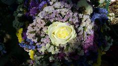 Die Trendfarben 2018 im Brautstrauss vereint Pantone, Trends, Motto, Floral Wreath, Wreaths, Decor, Lilac, Bridesmaids, Flowers