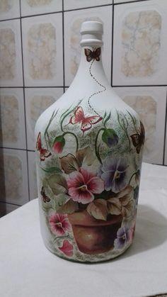 1 million+ Stunning Free Images to Use Anywhere Wine Bottle Glasses, Wine Bottle Corks, Bottle Vase, Bottles And Jars, Jar Crafts, Diy And Crafts, Arts And Crafts, Glass Bottle Crafts, Free To Use Images