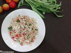 Insalata di farro ideale per un pranzo in spiaggia o da mangiare in una sera calda d'estate
