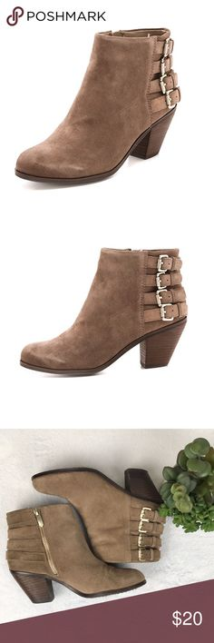 dfde4e56de037 Sam Edelman Lucca 4 Buckle Boots Sz7 In Fair   Good PreOwned Condition  Scuffing and signs