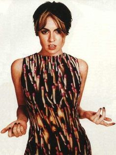 Louise Wener of band Sleeper West Ham Fan Fashion History, 90s Fashion, 1990s Music, Britpop, Alternative Music, Female Singers, My Favorite Music, European Fashion, All About Fashion