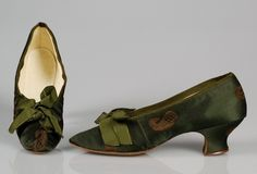 French silk evening shoes, 1890-1900. Courtesy of the Met.