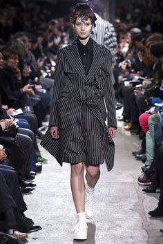 Comme des Garçons - Fall 2013 Ready-to-Wear - Look 12 of 34