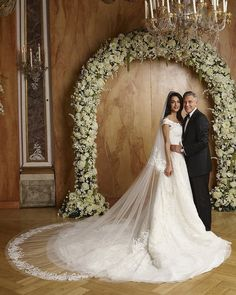 Amal Clooney married George Clooney in custom Oscar de la Renta, Amal Clooney Wedding Dress, George Clooney Wedding, Famous Wedding Dresses, Wedding Dresses 2014, Wedding Weekend, Wedding Day, Wedding Album, Wedding Ceremony, Wedding Movies