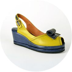 ReMix Vintage Shoes Scroll Avocado Navy at Frances