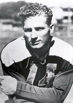 (#14) Don Hutson was a receiver for the Packers from 1935 to 1945 (1/13/1913)-(6/26/1997)