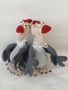 Buzzie the Vulture - Amigurumi Crochet Pattern by IlDikko on Etsy https://www.etsy.com/listing/112988130/buzzie-the-vulture-amigurumi-crochet