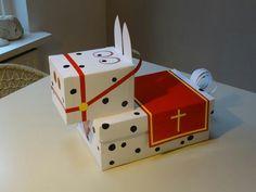 Paard van Sinterklaas Diy For Kids, Crafts For Kids, Kids Daycare, Diy Crafts To Do, Present Wrapping, Saint Nicholas, Kids Corner, Christmas Diy, Stage